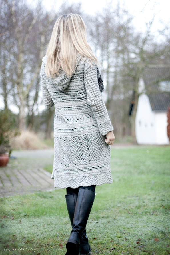 Odd-Molly-Horizon-cardigan-grey-By-Birdie-tørklæde-1