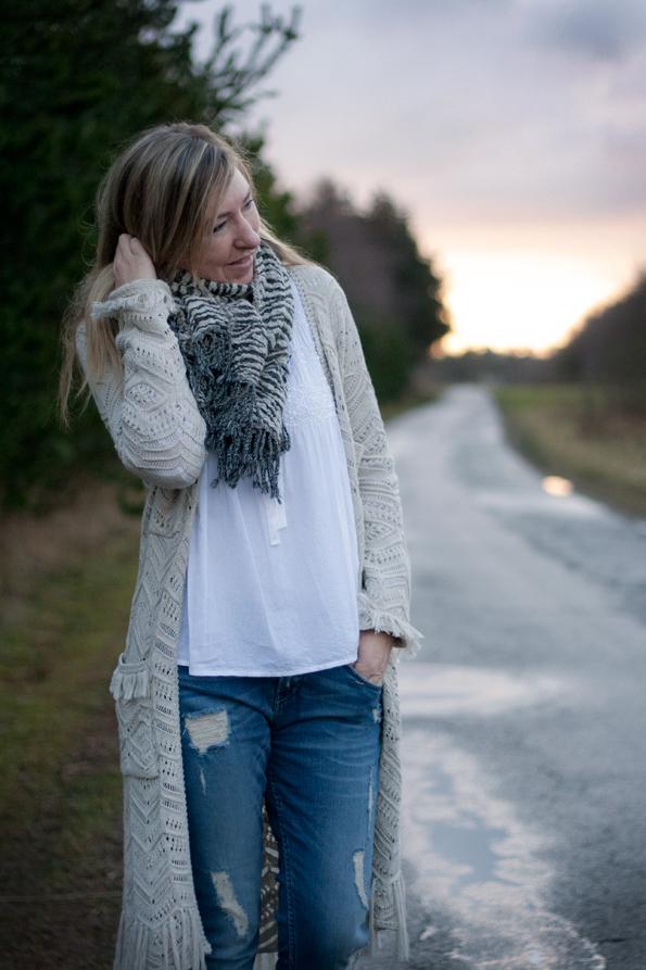 Odd-molly-lets-do-it-knit2