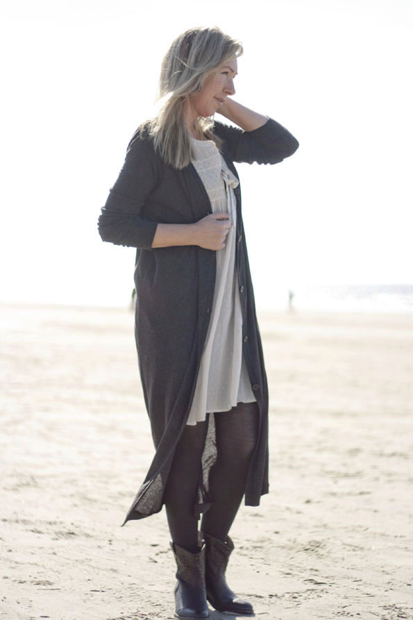 Catarina-martins-boots-oddmolly-dress5