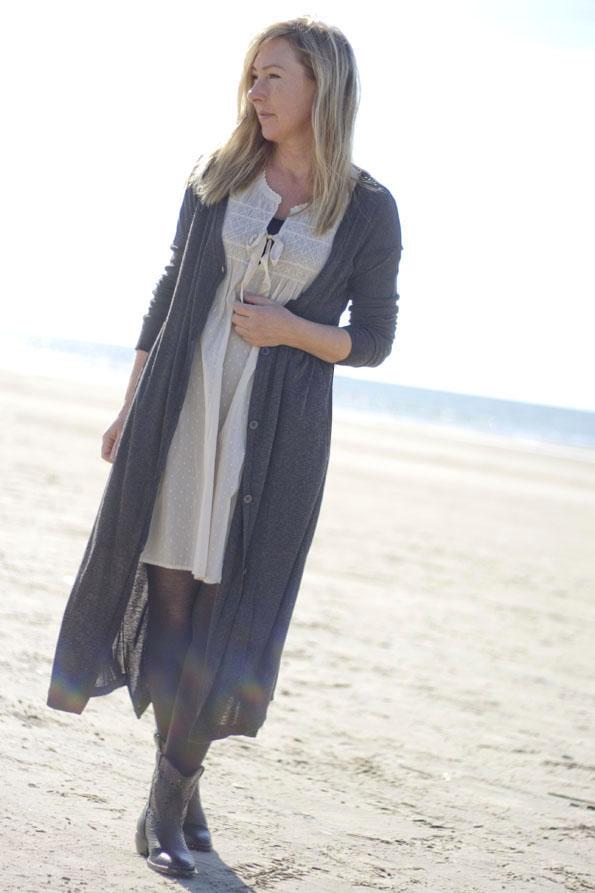 Catarina-martins-boots-oddmolly-dress6