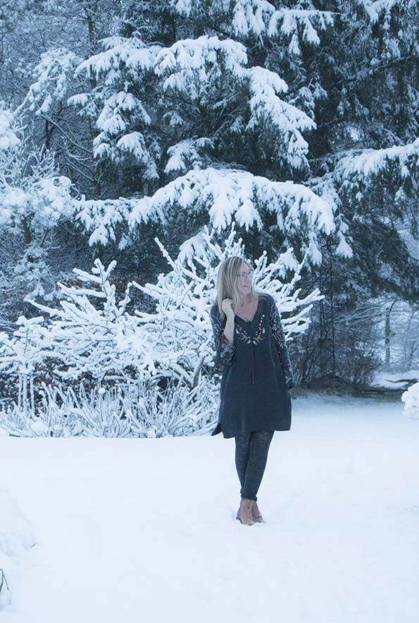 odd-molly-dress-snow